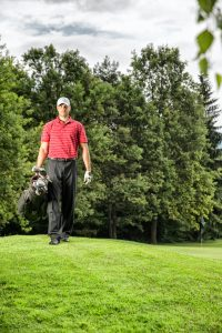golf caddie wage